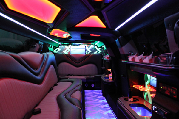 Chrysler 300 limo rental