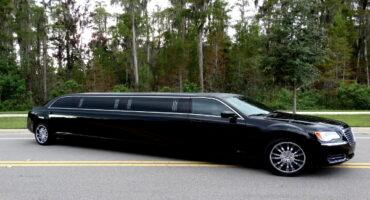 Chrysler-300-limo-service-Worcester