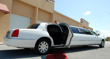 lincoln-stretch-limo-Linden